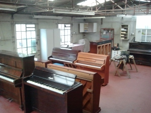 Pianos in